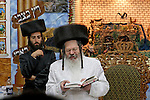 Tish with the Rebbe of Permishlan