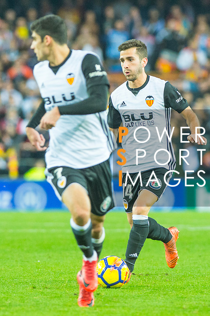 Jose Luis Gaya Pena of Valencia CF runs with the ball during the La Liga 2017-18 match between Valencia CF and FC Barcelona at Estadio de Mestalla on November 26 2017 in Valencia, Spain. Photo by Maria Jose Segovia Carmona / Power Sport Images