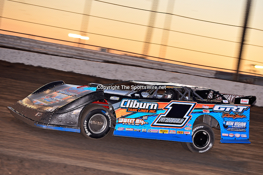 Feb 17, 2014; 6:22:08 PM;  Barberville, FL, USA;  World of Outlaws Late Model Series for 43rd Annual DIRTcar Nationals presented by Summit Racing Equipment at Volusia Speedway Park.  Mandatory Credit: (thesportswire.net)