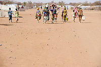 BURKINA FASO Dori , malische Fluechtlinge, vorwiegend Tuaregs, im Fluechtlingslager Goudebo des UN Hilfswerks UNHCR, sie sind vor dem Krieg und islamistischem Terror aus ihrer Heimat in Nordmali geflohen | <br /> BURKINA FASO Dori, malian refugees, mostly Touaregs, in refugee camp Goudebo of UNHCR, they fled due to war and islamist terror in Northern Mali  <br /> | [ copyright (c) Joerg Boethling , Veroeffentlichung nur gegen Honorar zzgl. 7% Mwst. und Belegexemplar an / usage only with royalty and copy to: Joerg Boethling   Rothestr. 66   D-22765 Hamburg  GERMANY  ph. ++49 40 380 89 359 14   e-mail: info@visualindia.de   www.visualindia.de   Bankverbindung:  Bank: ING-DiBa ,  Kontoinhaber: Joerg Boethling , Kto. 5409385105 , BLZ 50010517 , BIC: INGDDEFF , IBAN: DE93 500105175409385105 , WEITERE MOTIVE ZU DIESEM THEMA SIND VORHANDEN!! MORE PICTURES ON THIS SUBJECT AVAILABLE!! ] [#0,26,121#]