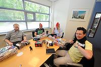 SCHAATSEN: HEERENVEEN: 06-06-2013, IJSSTADION THIALF, actiegroep thialf-moetblijven.nl te gast in Thialf, v.l.n.r. Hedser Kok, Bas Altena, Peter van Gool, Remco Folkerts, ©foto Martin de Jong