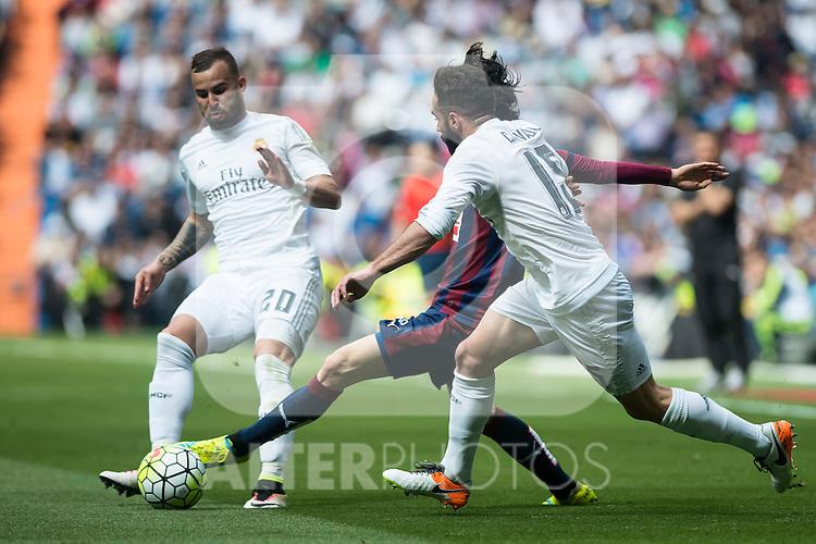 Real Madrid's  Jese Rodriguez and Daniel Carvajal and Sociedad Deportiva Eibar's Jota Peleteiro during La Liga match. April 09, 2016. (ALTERPHOTOS/Borja B.Hojas)