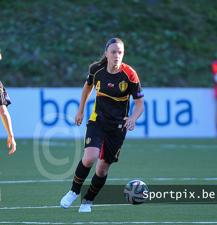 20140718 - Tonsberg , NORWAY : Belgian Tine De Caigny pictured during the female soccer match between Women under 19 teams of Norway and Belgium , on the second matchday in group A of the UEFA Women Under19 European Championship at Tonsberg Stadion , Norway . Friday 18th July 2014 . PHOTO DAVID CATRY