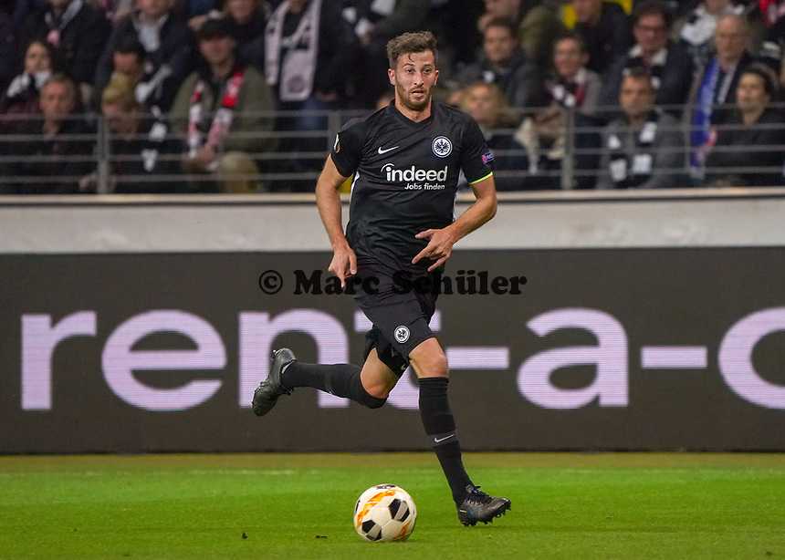 David Abraham (Eintracht Frankfurt) - 24.10.2019:  Eintracht Frankfurt vs. Standard Lüttich, UEFA Europa League, Gruppenphase, Commerzbank Arena<br /> DISCLAIMER: DFL regulations prohibit any use of photographs as image sequences and/or quasi-video.
