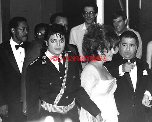 MICHAEL JACKSON 1986 with Elizabeth Taylor American Music Awards