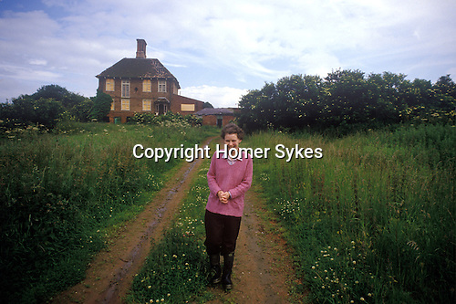The Round House Bedfordshire. Eileen Surname has lived in the Round House for 23 years. Circa 1985