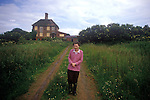 The Round House Brogborough Bedfordshire. Eileen Surname has lived in the Round House for 23 years. Circa 1985