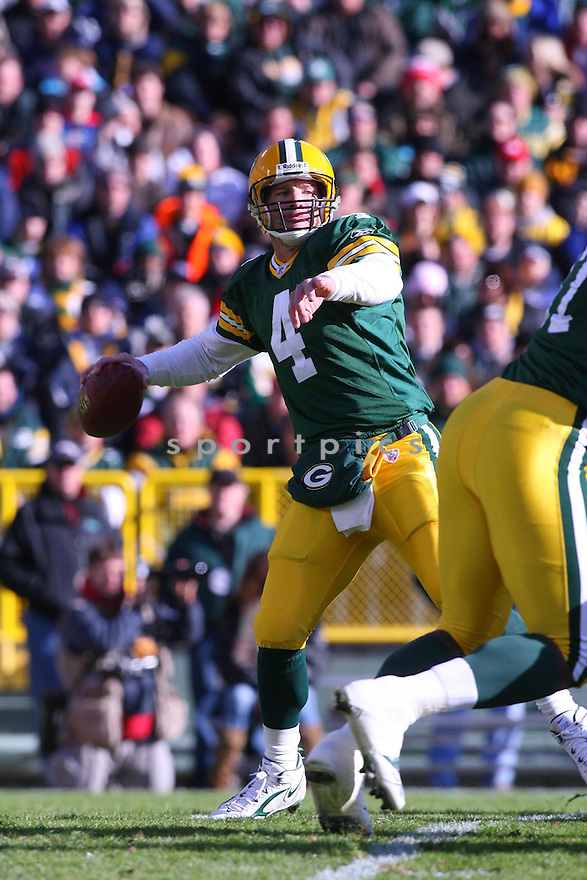 BRETT FAVRE, of the Green Bay Packers ,during their game against  the New England Patriots on Novmeber 19, 2006 in Green Bay , WI...Patriots win 35-0..Kevin Tanaka / SportPics