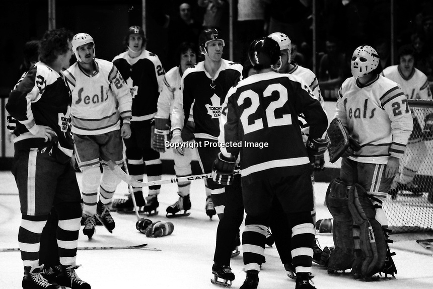 California Golden Seals vs Toronto Maple Leafs 1975<br />