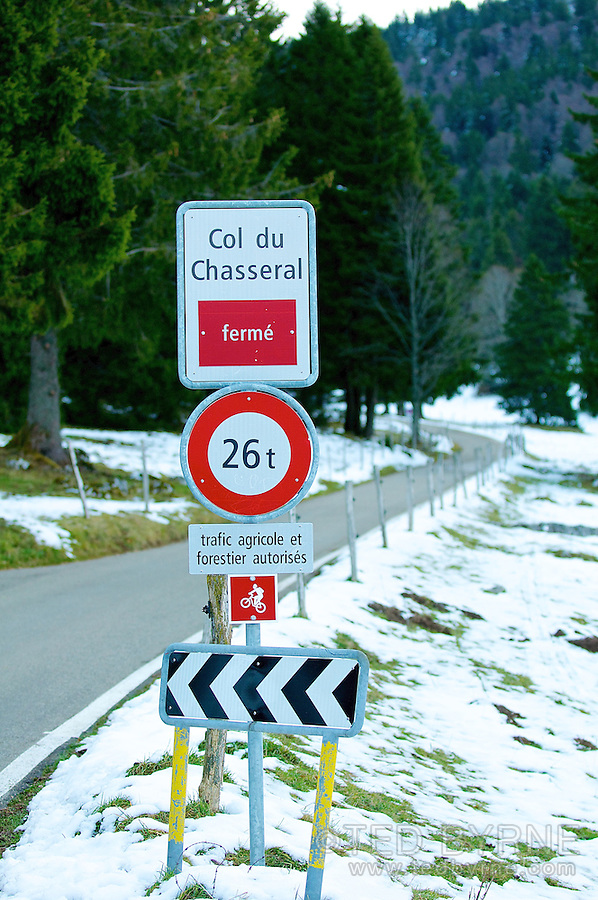 Col du Chasseral - road closed