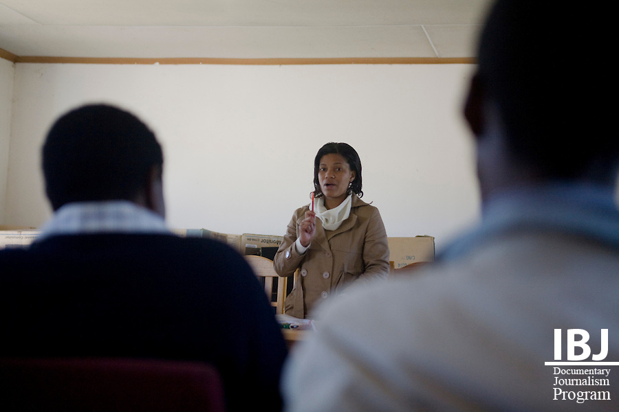 On June 27, 2009, the Swaziland JusticeMakers Team held a workshop with community police in Matsanjeni, Swaziland.