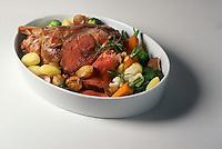 Gastronomie Générale: Gigot d'agneau et légumes de printemps