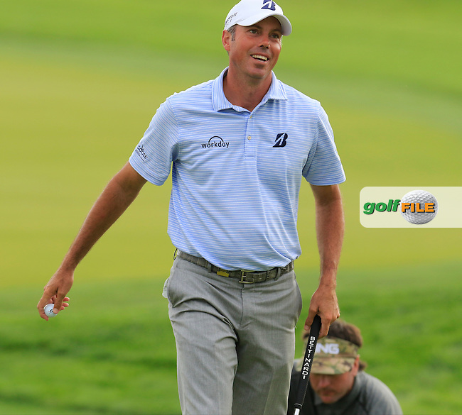 Matt Kuchar (USA) sinks his putt on the 4th green during Thursday's Round 1 of the 2016 U.S. Open Championship held at Oakmont Country Club, Oakmont, Pittsburgh, Pennsylvania, United States of America. 16th June 2016.<br /> Picture: Eoin Clarke | Golffile<br /> <br /> <br /> All photos usage must carry mandatory copyright credit (&copy; Golffile | Eoin Clarke)