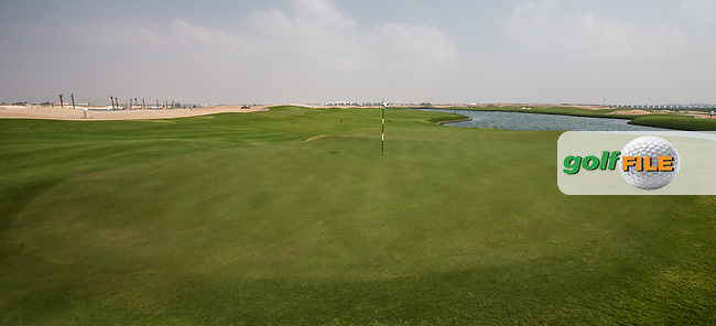 View of the  5th green at Al Zorah Golf Club, Dubai, United Arab Emirates.  26/01/2016. Picture: Golffile | David Lloyd<br /> <br /> All photos usage must carry mandatory copyright credit (&copy; Golffile | David Lloyd)