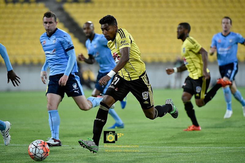 Wellington Phoenix&rsquo; Roy Krishna in action during the A League - Wellington Phoenix v Sydney FC at Westpac Stadium, Wellington, New Zealand on Saturday 19 December 2015.<br /> Photo by Masanori Udagawa. <br /> www.photowellington.photoshelter.com.
