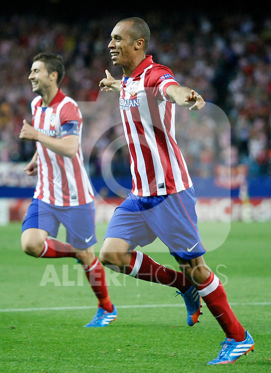 Atletico de Madrid's Joao Miranda (r) and Gabi Fernandez celebrate goal during Champions League 2013/2014 match.September 18,2013. (ALTERPHOTOS/Acero)