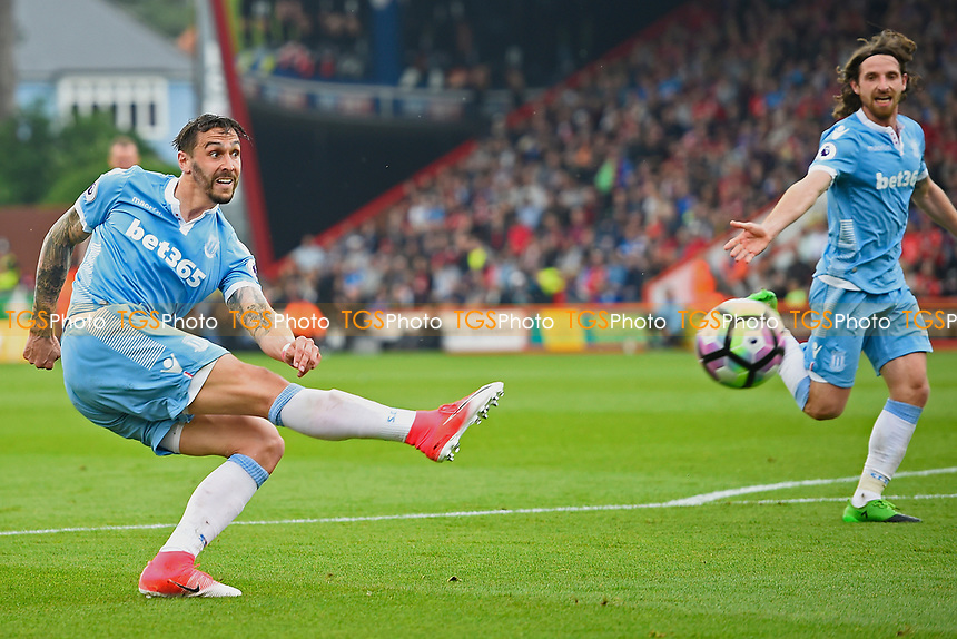 Geoff Cameron of Stoke City has a shot on goal during AFC Bournemouth vs Stoke City, Premier League Football at the Vitality Stadium on 6th May 2017