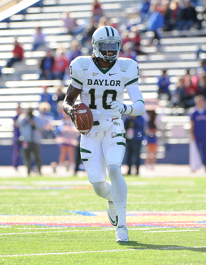ROBERT GRIFFIN III, of the Baylor Bears, in action during Baylor's game against the Kansas Jayhawks on November 12, 2011 at memorial Stadium in Lawrence, KS. Baylor beat Kansas 31-30 (OT).