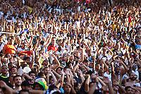 RIO DE JANEIRO, RJ, 03.05.2015 - CAMPEONATO CARIOCA 2015 - BOTAFOGO X VASCO - Torcida do Vasco durante a partida entre Botafogo e Vasco, válida pelo segundo jogo da final do Campeonato Carioca 2015, no Estádio do Maracanã, zona norte da cidade, neste domingo, 03. (Foto: Gustavo Serebrenick / Brazil Photo Press)
