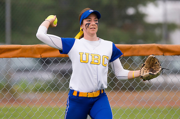 APRIL 22, 2016 -- SURREY, B.C. - NAIA Cascade Collegiate Conference softball action between the UBC Thunderbirds and the Southern Oregon Raiders at Softball City in Surrey, B.C.<br /> <br /> ****(Photo by Rich Lam 2016 All Rights Reserved)****
