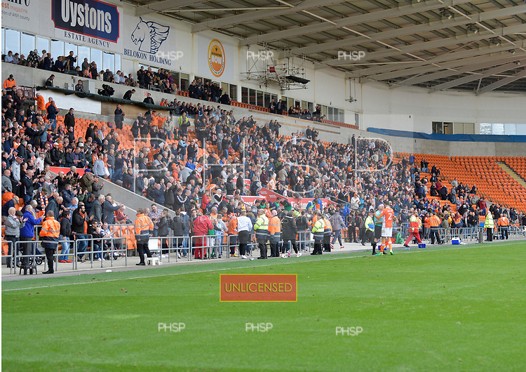 16/09/2017 Sky Bet League 1 Blackpool v Oxford United<br /> <br /> Fans celebrate victory