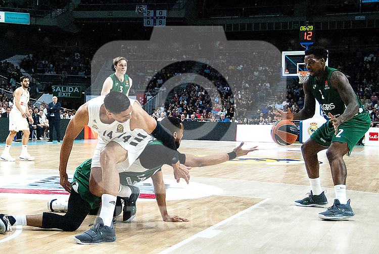 Real Madrid's Gustavo Ayon, Zalgiris' Brandon Davies and Zalgiris' Deon Thompson during Euroligue match between Real Madrid and Zalgiris Kaunas at Wizink Center in Madrid, Spain. April 4, 2019.  (ALTERPHOTOS/Alconada)