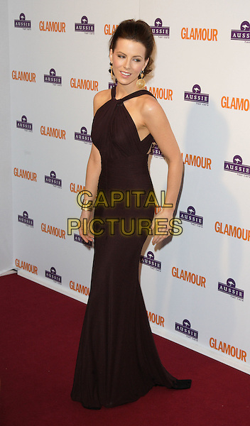 KATE BECKINSALE.Glamour Women of the Year Awards 2008, held at Berkeley Square, London, England, June 3rd 2008..full length brown aubergine long dress gold earrings bracelets .CAP/ROS.©Steve Ross/Capital Pictures