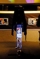 RIO DE JANEIRO, RJ, 29.04.2014 - Anderson Varejão participa da coletiva de imprensa da apresentação do troféu da Copa do Mundo FIBA, realizado no auditório do Comitê Olímpico Brasileiro, na Barra da Tijuca, no Rio de Janeiro (RJ), nesta terça-feira (29), promovidos pela FIBA Américas e a Confederação Brasileira de Basketball (CBB). (Foto: Marcus Victorio / Brazil Photo Press).