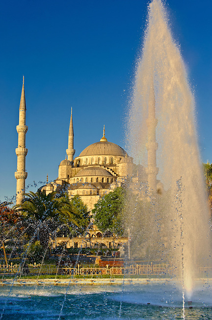 The Sultan Ahmed Mosque (Sultanahmet Camii) or Blue Mosque, Istanbul, Turkey. Built from 1609 to 1616 during the rule of Ahmed I.