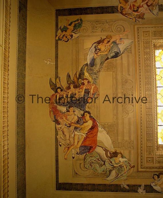 A fresco on the ceiling of the bar depicts cherubs and angels in colourful robes as well as trompe l'oeil architectural details