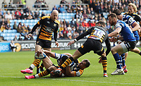 Joe Cokanasiga of Bath Rugby reaches for the try-line. Heineken Champions Cup match, between Wasps and Bath Rugby on October 20, 2018 at the Ricoh Arena in Coventry, England. Photo by: Patrick Khachfe / Onside Images