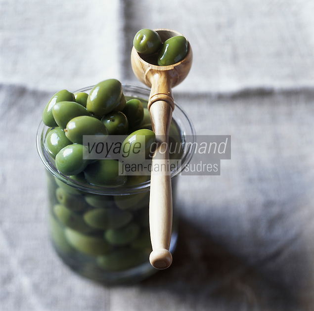 Europe/France/Languedoc-Roussillon/30/Gard/Nîmes:  Olives  Picholine du Gard  AOC Picholine de Nîmes   - Stylisme : Valérie LHOMME //  France, Gard, Nimes, salt-brine cured picholine local olives, Picholine de Nimes AOC olives, photography styling by Valerie Lhomme