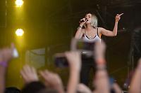 SÃO PAULO,SP, 26.03.2017 - LOLLAPALOOZA 2017 – Cantora Mo se apresenta no festival Lollapalooza 2017, realizado no Autódromo de Interlagos em São Paulo, na tarde deste domingo, 26. (Foto: Levi Bianco/Brazil Photo Press)