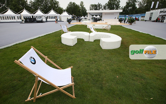 Grab yourself a deckchair early before the crowds get there before you, ahead of Round Three of the 2015 BMW International Open at Golfclub Munchen Eichenried, Eichenried, Munich, Germany. 27/06/2015. Picture David Lloyd | www.golffile.ie