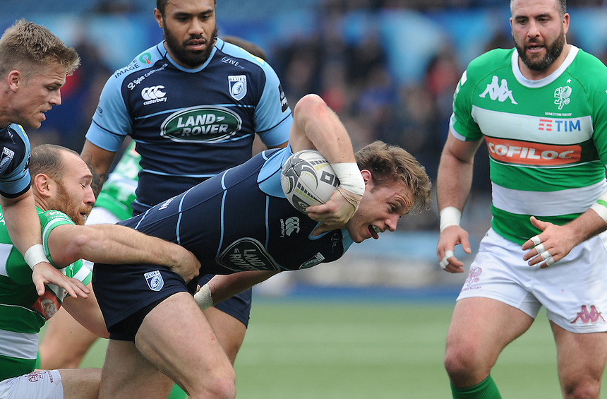 Cardiff Blues' Blaine Scully looks for the try line<br /> <br /> Photographer Ian Cook/CameraSport<br /> <br /> Guinness PRO12 Round 15 - Cardiff Blues v Benetton Treviso - Saturday 18th February 2017 - BT Sport Cardiff Arms Park<br /> <br /> World Copyright &copy; 2017 CameraSport. All rights reserved. 43 Linden Ave. Countesthorpe. Leicester. England. LE8 5PG - Tel: +44 (0) 116 277 4147 - admin@camerasport.com - www.camerasport.com