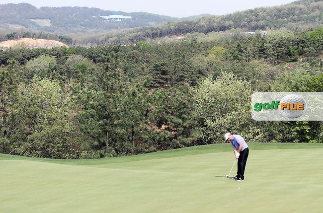 Damien McGrane (IRL) on the 17th on Day 3 of the Ballantines Championship 2012 at Blackstone Golf Course, Icheon, Korea...(Photo Jenny Matthews/www.golffile.ie)