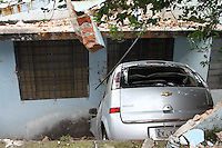 GUARULHOS, SP, 05.09.2014 - ACIDENTE DE TRÂNSITO / DANO EM ESCOLA ESTADUAL - O condutor do veículo GM/Meriva, perdeu o controle do seu veiculo vindo a atingir o veículo Ford/Fiesta de coz azul que estava estacionado na via e atingiu a Escola Estadual VEREADOR WALDEMAR FREIRE VERAS, localizada na Rua Doutor Brandão Veras, nº 44, na cidade de Guarulhos/SP, ocasionando dano no muro, bem como no gradil e na sala de informatica do estabelecimento de ensino. Não houve vítima. Ocorrência sendo apresentada no 1º Distrito Policial de Guarulhos. Fato este que ocorreu no inicio do manhã desta sexta-feira, 05. (Foto: Geovani Velasquez / Brazil Photo Press).