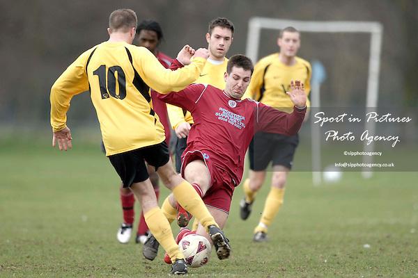 Aveley WMC Vs East Ham WMC reservers. Div 2 Cup. Romford and District League. Belhus Park. Essex. 28/02/2009. Credit Garry Bowden