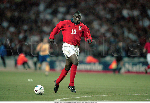 EMILE HESKEY, ENGLAND 2 v UKRAINE 0, 000531. Photo: Neil Tingle/Action Plus...2000.soccer.friendly international.football.internationals.association
