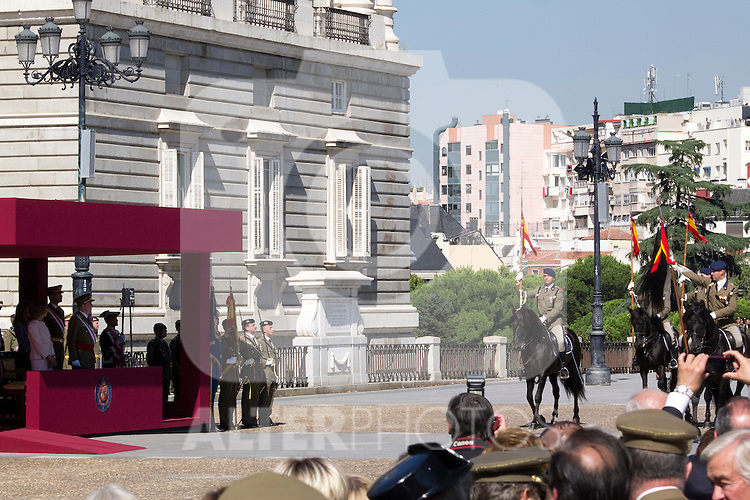 01.10.2012. The Spanish Royal Family, King Juan Carlos, Queen Sofia, Prince Felipe, Princess Letizia and Princess Elena attend the imposition of collective Distinguished Cross San Fernando Al Banner Armored Cavalry Regiment ´Alcántara´ No. 10 in the Royal Palace in Madrid, Spain. In the image Spanish soldiers in the Royal Palace of Madrid (Alterphotos/Marta Gonzalez)