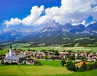Austria, Tyrol, Ellmau: holiday region at Wilder Kaiser mountains   Oesterreich, Tirol, Ellmau: Urlaubsregion am Wilden Kaiser