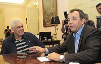 RIO DE JANEIRO, RJ, 02 SETEMBRO 2013 - GOVERNADOR SERGIO CABRAL RECEBE DIRIGENTES DE CLUBES -  O Governador Sergio Cabral se reuniu com o presidente do Vasco da Gama Roberto Dinamite para dialogar sobre o modelo de gestão do Complexo Esportivo Maracanã, no Palácio Guanabara nessa segunda 02  . (FOTO: LEVY RIBEIRO / BRAZIL PHOTO PRESS)