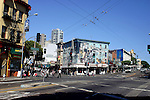 BUILDING WITH MURALS AT SAN FRANCISCO INTERSECTION