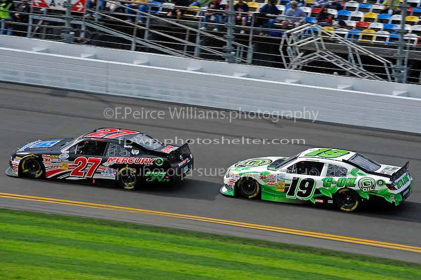 David Ragan (#27)and Tayler Malsam (#19)