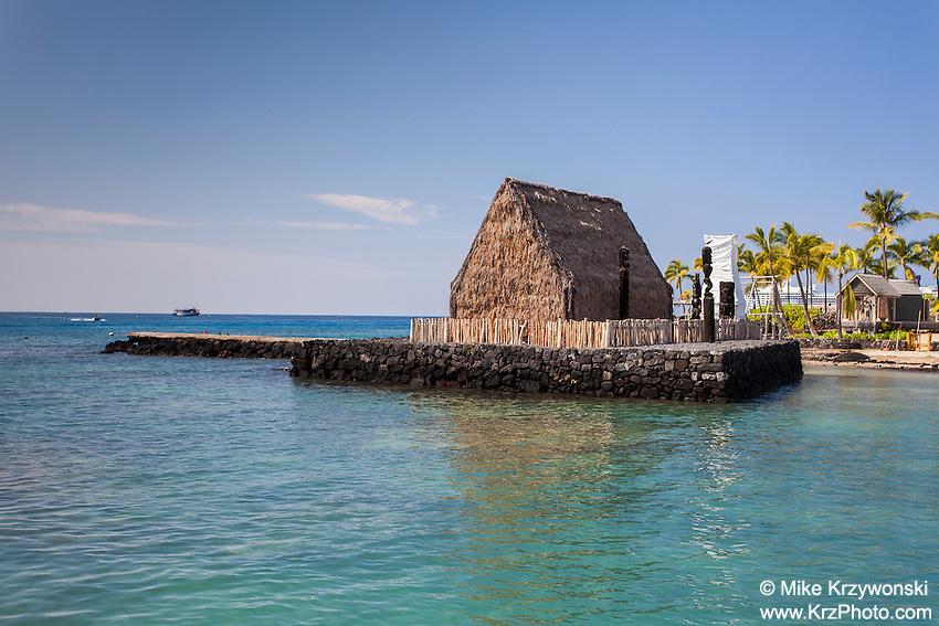 Ahu'ena Heiau at Kamakahonu Bay, residence of King Kamehameha I, Kailua-Kona, Big Island, Hawaii