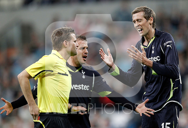 Tottenham's Peter Crouch red card during Champions League match on April, 5th 2011...Photo: Cesar Cebolla / ALFAQUI