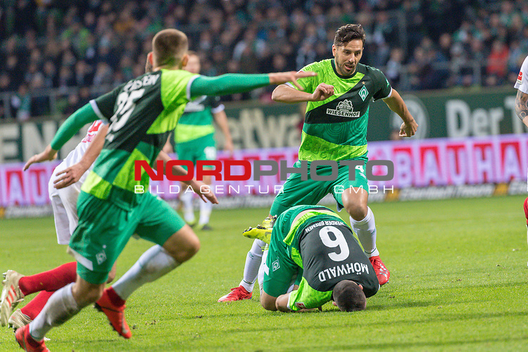 10.02.2019, Weser Stadion, Bremen, GER, 1.FBL, Werder Bremen vs FC Augsburg, <br /> <br /> DFL REGULATIONS PROHIBIT ANY USE OF PHOTOGRAPHS AS IMAGE SEQUENCES AND/OR QUASI-VIDEO.<br /> <br />  im Bild<br /> Kevin M&ouml;hwald / Moehwald (Werder Bremen #06)<br /> Verletzung / verletzt / Schmerzen<br /> Maximilian Eggestein (Werder Bremen #35)<br /> Claudio Pizarro (Werder Bremen #04)<br /> <br /> <br /> Foto &copy; nordphoto / Kokenge