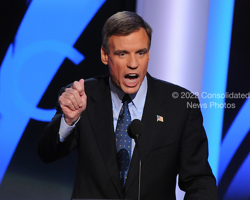 Denver, CO - August 26, 2008 -- Former Virginia Governor Mark Warner, a candidate for the United States Senate from Virginia delivers the Keynote Address on day 2 of the 2008 Democratic National Convention at the Pepsi Center in Denver, Colorado on Tuesday, August 26, 2008..Credit: Ron Sachs - CNP.(RESTRICTION: NO New York or New Jersey Newspapers or newspapers within a 75 mile radius of New York City)