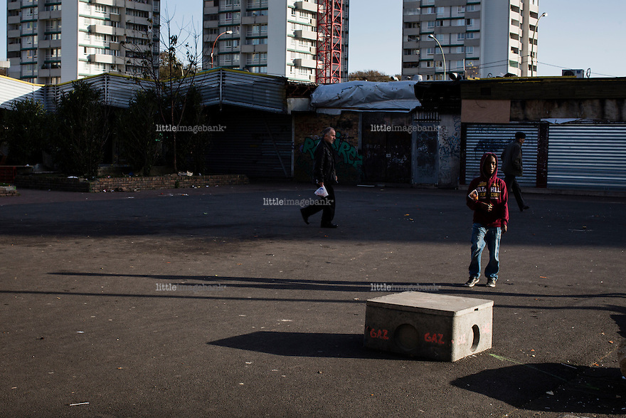 Paris, France, 15.11.2015. The French suburb of Clichy-sous-Bois. Images from Paris in the aftermath of the devastating terror attacks on friday november 13. Photo: Christopher Olssøn.
