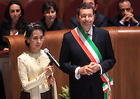 L'attivista birmana e vincitrice del Premio Nobel per la Pace del 1991 Aung San Suu Kyi riceve la cittadinanza onoraria di Roma durante una cerimonia col sindaco Ignazio Marino, a destra, in Campidoglio, Roma, 27 ottobre 2013.<br /> Burmese opposition leader and Nobel Prize laureate Aung San Suu Kyi attends a ceremony with Rome's Mayor Ignazio Marino, right, to receive the honorary citizenship at the Campidoglio city hall in Rome, 27 October 2013.<br /> UPDATE IMAGES PRESS/Isabella Bonotto